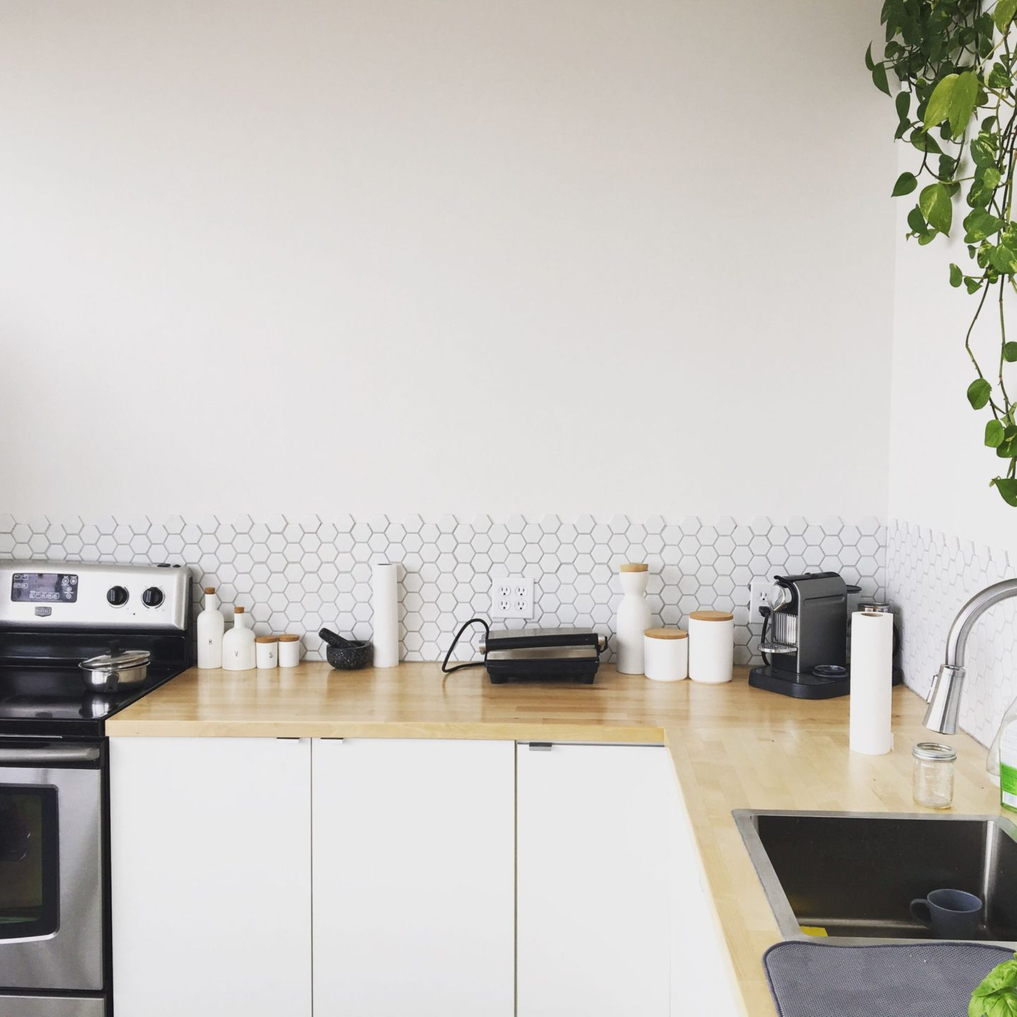 Things To Think About When Cleaning and Clearing Your Kitchen